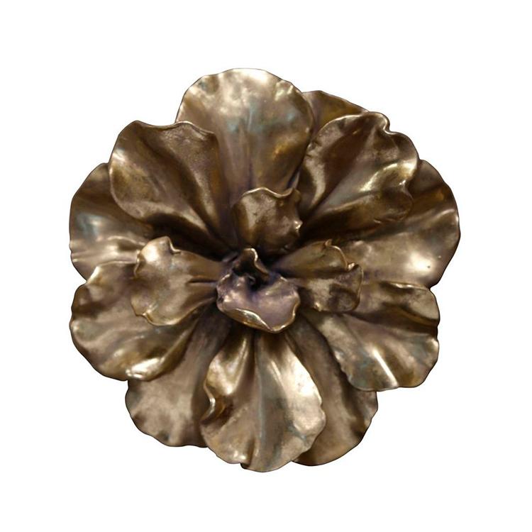 Flor dorada decorativa